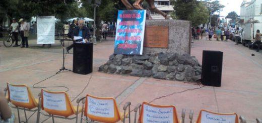Baja participación tuvo convocatoria de movimiento de oposición a la construcción de estacionamientos subterráneos en Plaza de Armas de Los Ángeles