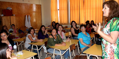 """Los Ángeles; Beneficiarias del Programa Puente participan de seminario """"Mujer, Fortaleza del Hogar"""""""