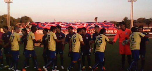 En un estadio municipal remozado se enfrentaron los cuadros de Iberia y U De Concepción en la noche Azulgrana