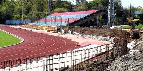 Analizar condiciones del Estadio Municipal angelino previo al encuentro entre Iberia y Deportes Temuco
