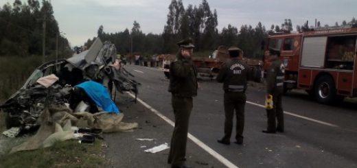 Un muerto y un herido deja violenta colisión frontal entre automóvil y camión en ruta a Nacimiento