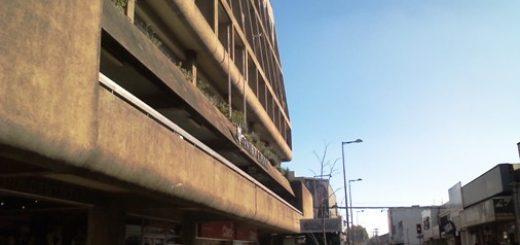 Joven de 18 años intentó quitarse la vida saltando de balcón del Centro Español