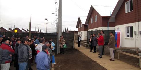 Familias del comité Filadelfia II visitaron casa piloto de proyecto habitacional emplazado en prolongación de Calle Los Carrera