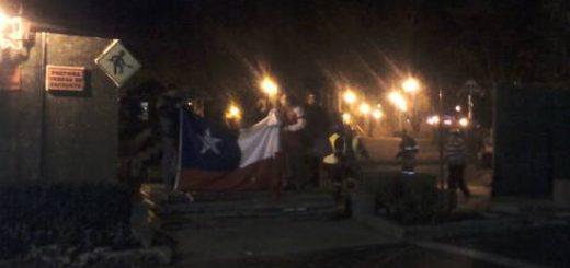 Durante esta noche comenzaron a retirar el cierre de Plaza de Armas de Los Ángeles