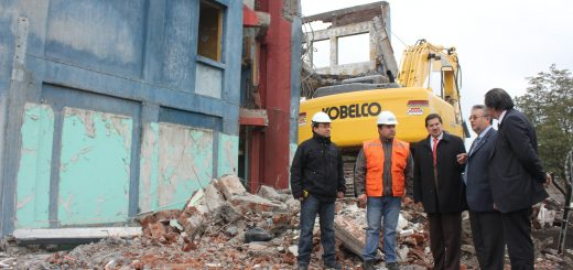 Emblemático edificio correspondiente a abandonada escuela fue visitado por las autoridades municipales