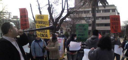 Los Ángeles; Vecinos protestaron por falta de fiscalización y los malos olores en planta de tratamientos de Essbio