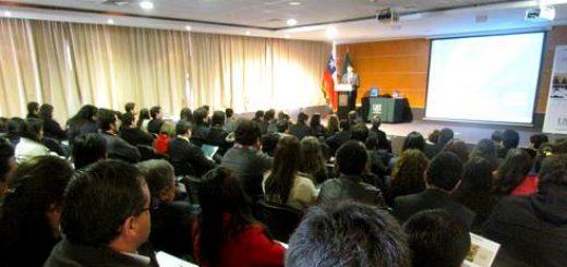 Seminario de Reforma Procesal Civil en el aula magna de Santo Tomás Los Ángeles