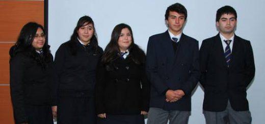 El equipo del Liceo Comercial espera superar su primera prueba y seguir avanzando en el Torneo Escolar de Debates
