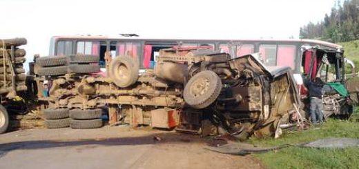Accidente involucró a bus, camión y vehículo en ruta 170 Tijeral – Mininco