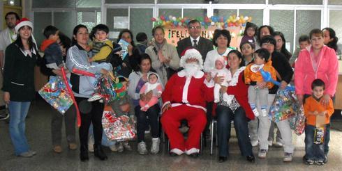 En centros de salud familiar continuaron las entregas de regalos por parte del municipio angelino