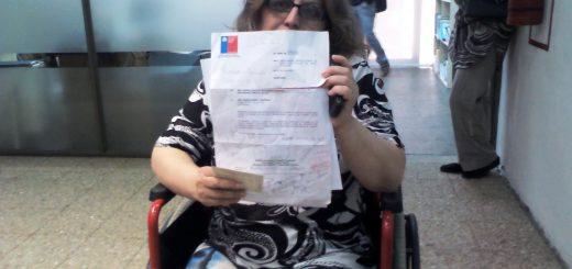 En pleno Concejo Municipal madre angustiada increpa a autoridades por nulo apoyo a hijo enfermo