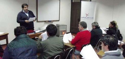 Microempresarios fueron capacitados en Apialan sobre el alcance de la nueva ley del mono