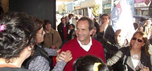 Visita de precandidato presidencial Andrés Allamand no dio claridad en cupos senatoriales de la zona