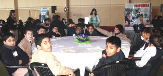 Primer Parlamento Infantil en Salud junto a niños de Los Ángeles