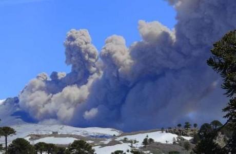 Sernageomin: Volcán Copahue presenta 350° Celsius en la superficie indican expertos
