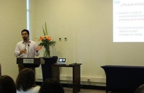 """Médicos y profesionales clínicos participan de curso-taller """"Manejo vía aérea adulto y pediátrico"""""""