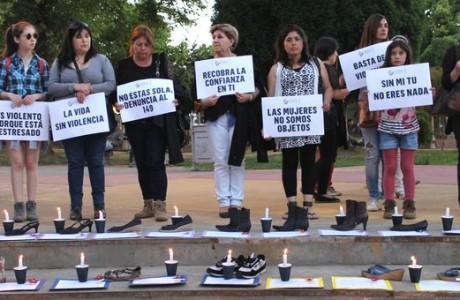 """Solemne y emotiva conmemoración del """"Día de la No Violencia a la Mujer"""" en Los Ángeles"""