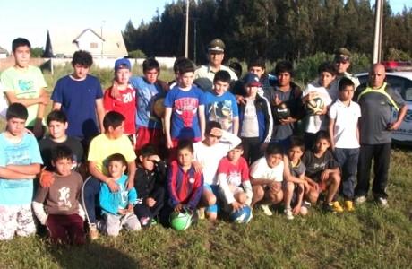 Carabineros apoya integración deportiva en Villa Génesis