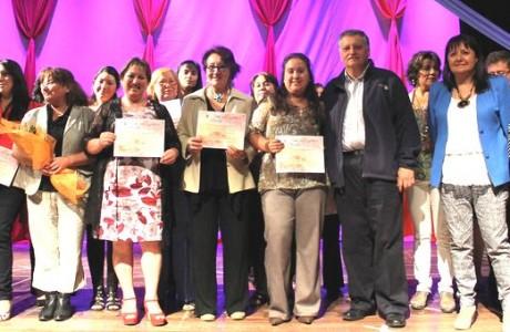 Con una emotiva ceremonia, 327 alumnas del CeMujer certificaron sus competencias laborales y de emprendimiento