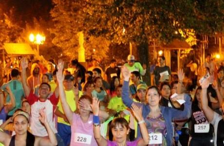 Centenares de angelinos disfrutaron de una nueva versión de la Corrida Atlética Familiar Nocturna