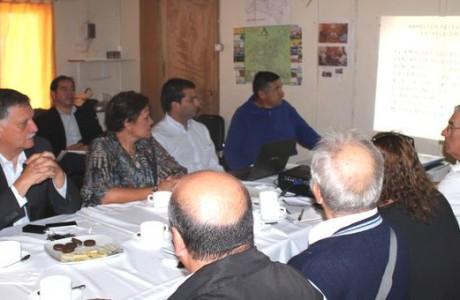 Dan a conocer proyectos en salud a dirigentes del sector sur de Los Ángeles