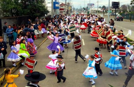 """""""Día Nacional de la Cueca y Saludo Folklórico"""" espera reunir en su recorrido a miles de angelinos este fin de semana"""