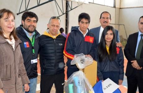 Escuelas Deportivas Integrales recibieron implementos deportivos