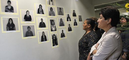 Exposición fotográfica retrató fuerza y liderazgo de la mujer angelina