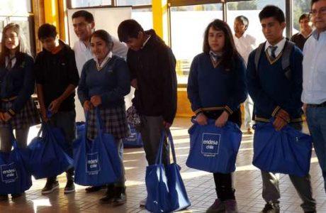 ENDESA Chile entrega becas a jóvenes pehuenches de Santa Bárbara y Alto Biobío