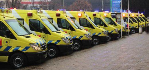 Servicio de Salud Biobío entregó once ambulancias para la provincia