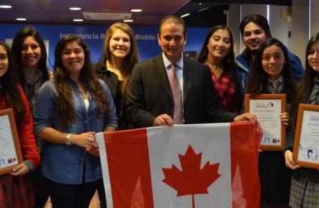 Pingüinos sin Fronteras: Esforzadas y talentosas alumnas de Biobío ganaron pasantía a Canadá