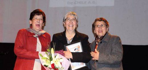 Docentes son reconocidos por Municipio Angelino y Colegio de Profesores