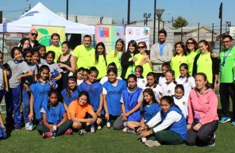 Alumnas de escuela Diego Portales son las reinas del futbolito