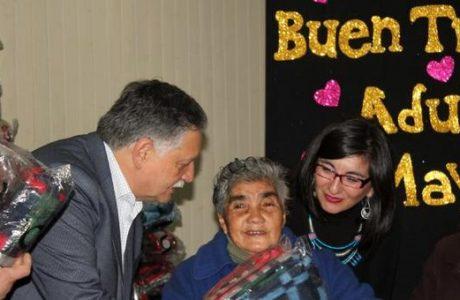 Centro Integral del Adulto Mayor entregó ayuda a 65 beneficiarios